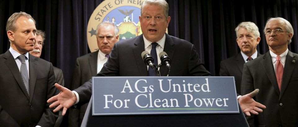 Former U.S. Vice President Al Gore (C) speaks at a news conference with New York Attorney General Eric Schneiderman (L), Vermont Attorney General William Sorrell (R) and other U.S. State Attorney's General to announce a state-based effort to combat climate change in the Manhattan borough of New York City, March 29, 2016. REUTERS/Mike Segar