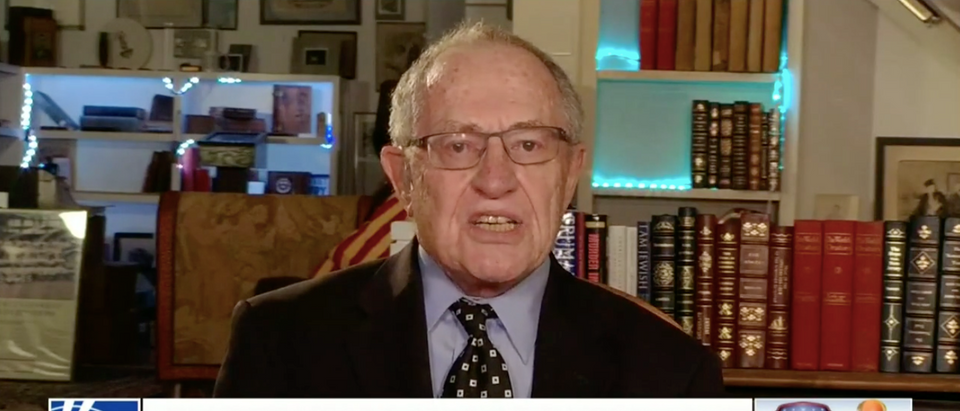 Alan Dershowitz appears on Hannity to discuss Manafort and Cohen indictments (PHOTO:Screenshot/FoxNews)