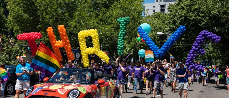 Thrive balloons (Shutterstock/ Chris Allan)