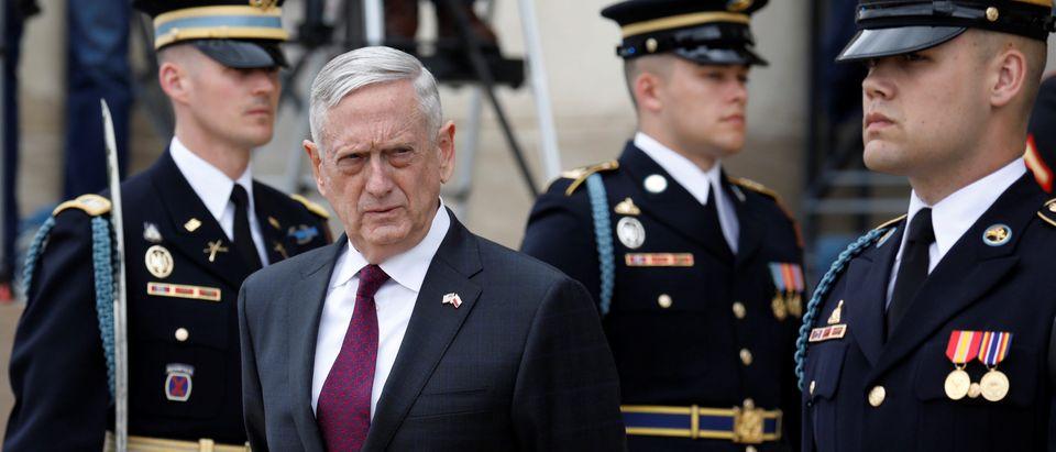 U.S. Defense Secretary James Mattis waits to welcome Polish Defense Minister Mariusz Blaszczak at the Pentagon in Arlington, Virginia, U.S., April 27, 2018. REUTERS/Yuri Gripas