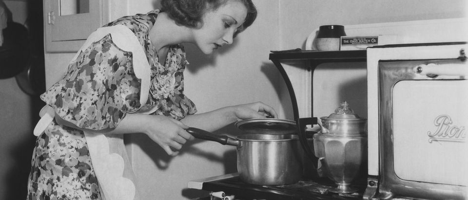 Vintage photograph of a housewife, Shutterstock/ By Everett Collection