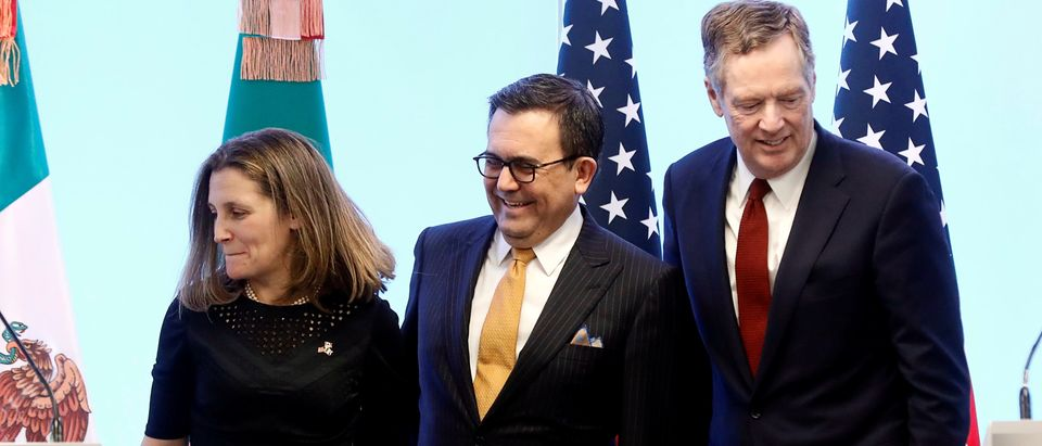 Canadian Foreign Minister Freeland, Mexican Economy Minister Guajardo and U.S. Trade Representative Lighthizer take part in a joint news conference on the closing of the seventh round of NAFTA talks in Mexico City