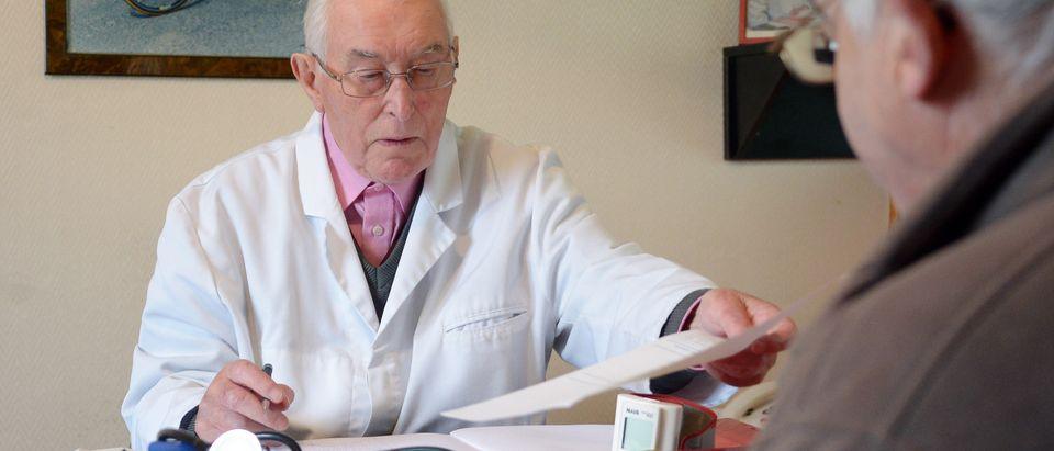 FRANCE-DOCTOR-SOCIETY-ELDERLY