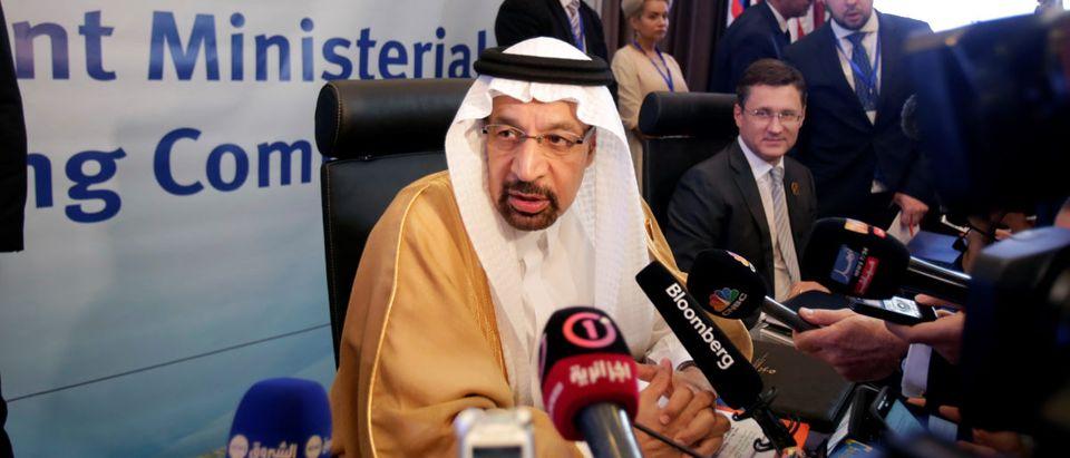 Saudi Arabian Energy Minister Khalid al-Falih talks to reporters at the OPEC Ministerial Monitoring Committee in Algiers, Algeria September 23, 2018. REUTERS/Ramzi Boudina