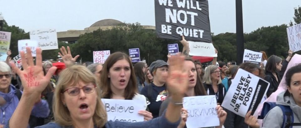 Anti-Kavanaugh protesters marched from the Capitol building to the Supreme Court with activist Linda Sarsour, who got arrested Thursday leading the way. (Youtube)