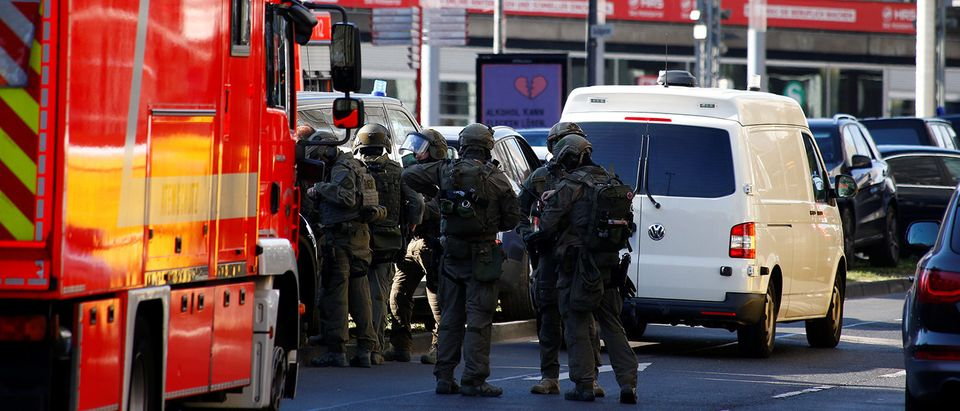 Train station in German city of Cologne closed after hostage-taking