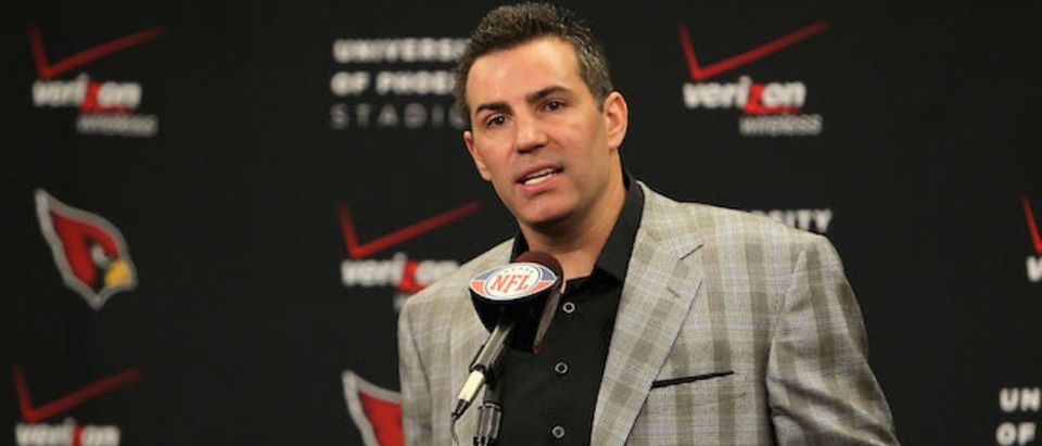 Quarterback Kurt Warner of the Arizona Cardinals announces his retirement from football during a press conference at the team's training center auditorium on January 29, 2010 in Tempe, Arizona. (Photo: Getty Images)