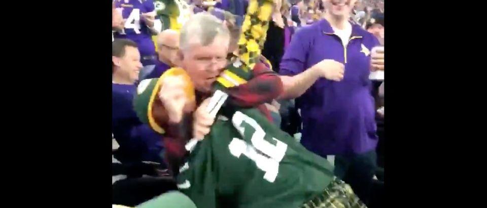 Packers fight (Credit: Screenshot/Twitter Video https://twitter.com/Jackseedorf5/status/1066876021285298176)
