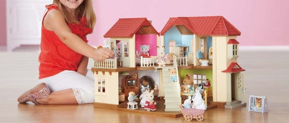 Normally $90, this Calico Critters townhome is 22 percent off (Photo via Amazon)
