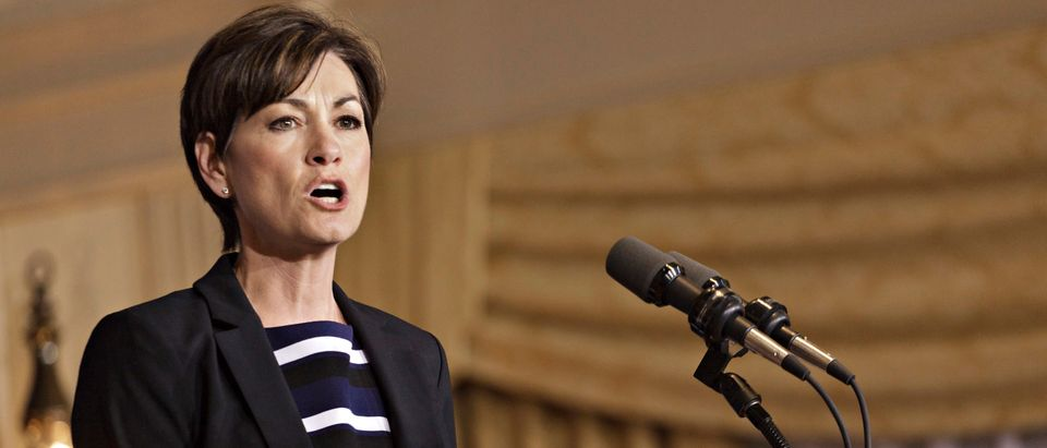 Iowa Lt. Gov. Kim Reynolds speaks to supporters of U.S. Republican presidential candidate and former Massachusetts governor Mitt Romney at Hotel Fort Des Moines in Des Moines, Iowa May 15, 2012. REUTERS/Brian C. Frank