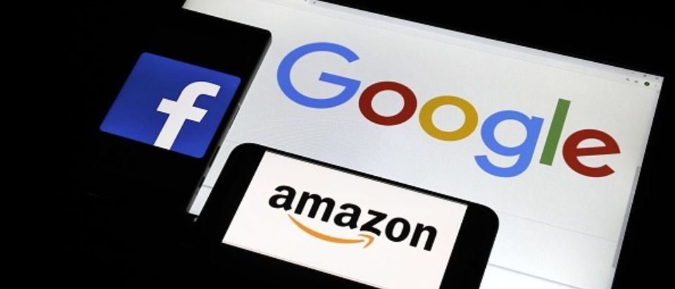 File photo shows tech giants' logos (clockwise from top R) Google LLC, Amazon.com Inc. and Facebook Inc -- Getty Images Kyodo News