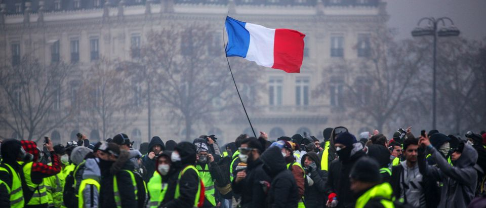 TOPSHOT-FRANCE-SOCIAL-POLITICS-DEMO-FUEL