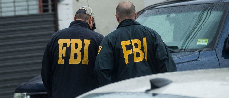 Members of the FBI investigate a residence in connection to Saturday night's bombing in Manhattan, Sept. 19, 2016 in Elizabeth, New Jersey. (Photo by Drew Angerer/Getty Images)