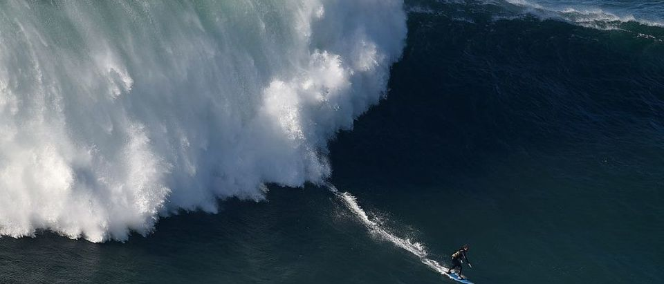 SURF-POR-WAVE