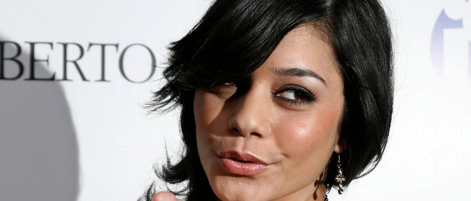 "Actress Vanessa Hudgens of the cable TV movie ""High School Musical"" poses as she arrives at the Young Hollywood Awards, which honors rising young artists in the entertainment field, in Hollywood California April 22, 2007. REUTERS/Fred Prouser"