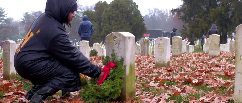 Thousands Participate in Wreaths Across America Event