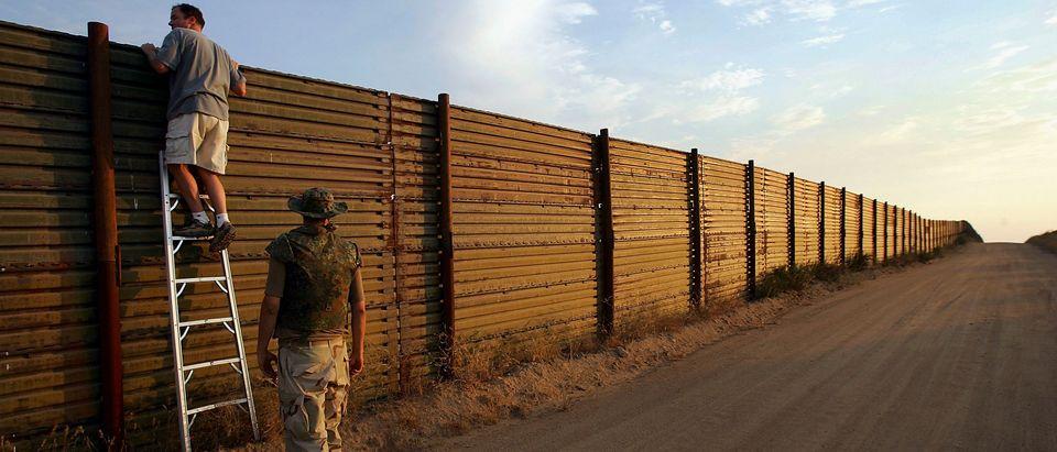 Minutemen Break-Away Group Patrols California-Mexico Border