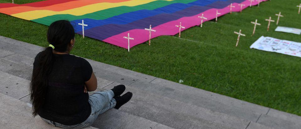 EL SALVADOR-LGBT-ROSE PRAYER