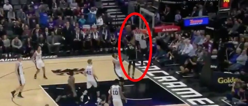 Marvin Bagley (Credit: Screenshot/Twitter Video https://twitter.com/Sports_Burd/status/1092651554736427008)