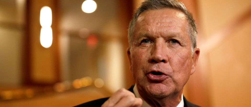Ohio Governor and former presidential candidate John Kasich speaks to the press in Concord, New Hampshire, U.S., November 15, 2018. REUTERS/Elizabeth Frantz