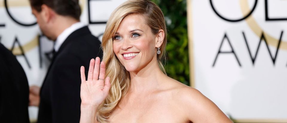 Actress Reese Witherspoon arrives at the 72nd Golden Globe Awards in Beverly Hills, California January 11, 2015. REUTERS/Mario Anzuoni