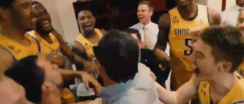 Wichita State (Credit: Screenshot/Twitter Video https://twitter.com/GoShockers/status/1110733067965091840)