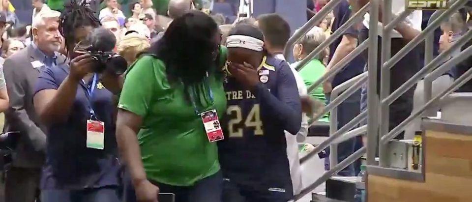 Arike Ogunbowale (Credit: Screenshot/Twitter Video https://twitter.com/SportsCenter/status/1115048291471724544)