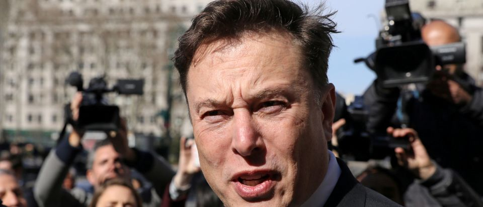 Tesla CEO Elon Musk leaves Manhattan federal court after a hearing on his fraud settlement with the Securities and Exchange Commission (SEC) in New York City, U.S. April 4, 2019. REUTERS/Brendan McDermid