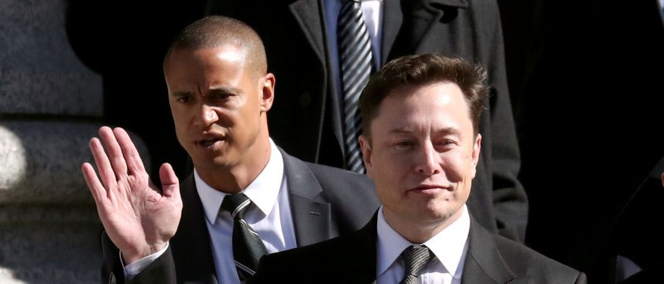 Tesla CEO Elon Musk leaves Manhattan federal court after a hearing on his fraud settlement with the Securities and Exchange Commission (SEC) in New York City, U.S., April 4, 2019. REUTERS/Shannon Stapleton