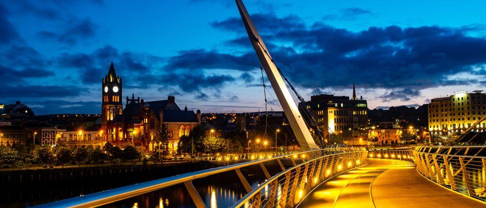 Derry Ireland Shutterstock Madrugada Verde