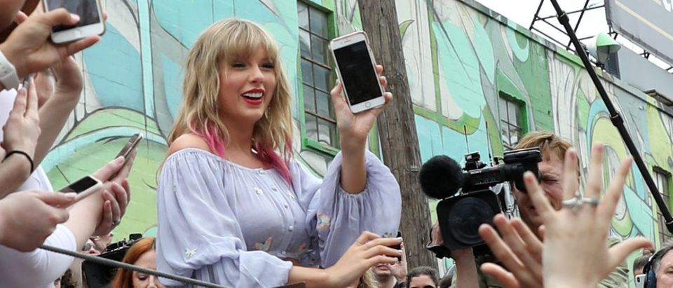 "Taylor Swift Surprises Fans At New Kelsey Montague ""What Lifts You Up"" Mural In Nashville"