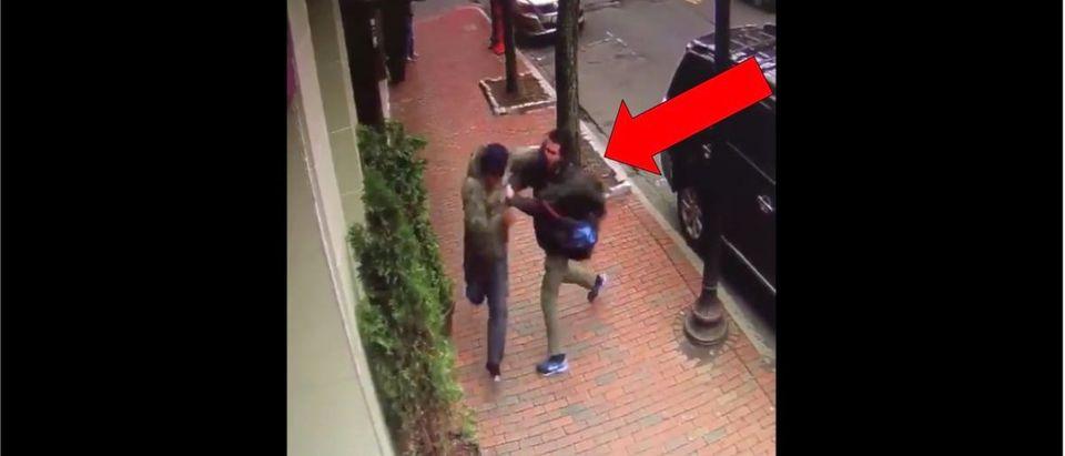 Bank Robbery (Credit: Screenshot/Twitter Video https://twitter.com/7News/status/1123634508216053762)