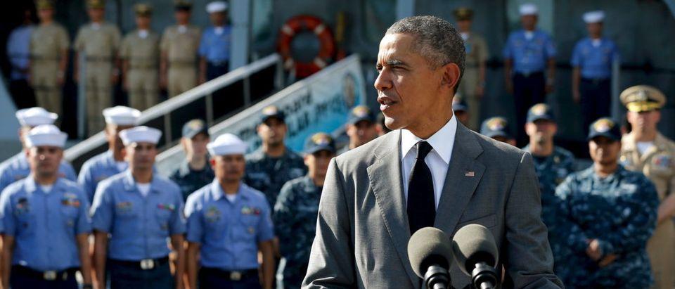 U.S. President Barack Obama delivers remarks after touring the BRP Gregorio Del Pilar at Manila Harbor in Manila, Philippines, Nov. 17, 2015. REUTERS/Jonathan Ernst