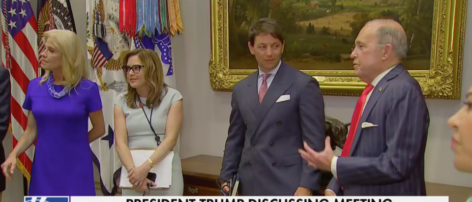 Kellyanne Conway, Mercedes Schlapp, Hogan Gidley, and Larry Kudlow at the White House (Fox News Screenshot)