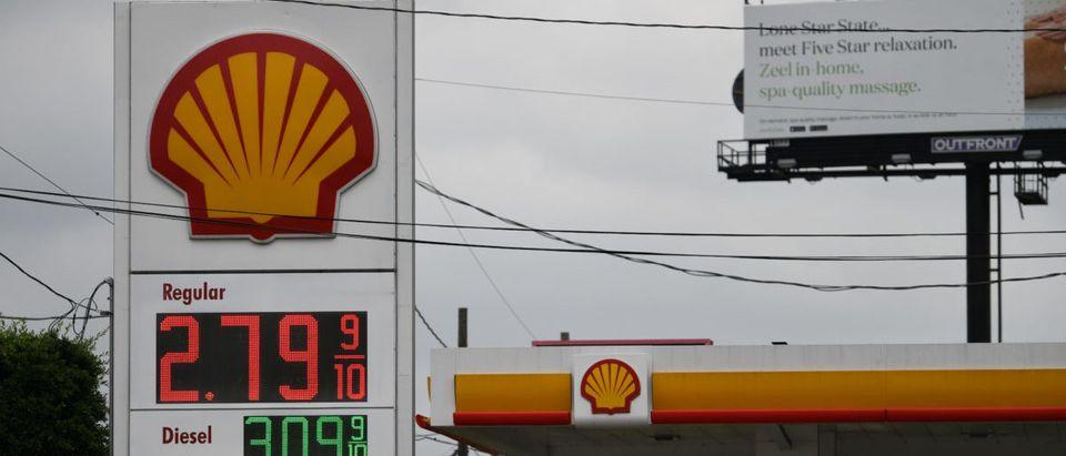 A Shell gas station is seen in Houston, Texas, U.S., April 30, 2019. REUTERS/Loren Elliott