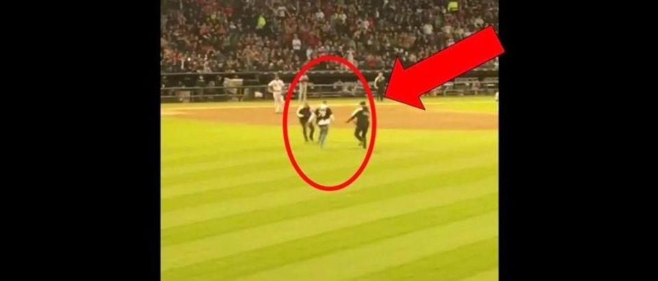 White Sox Field Rushing (Credit: Screenshot/Twitter Video https://twitter.com/FradoInTheCut/status/1124851529478037511)