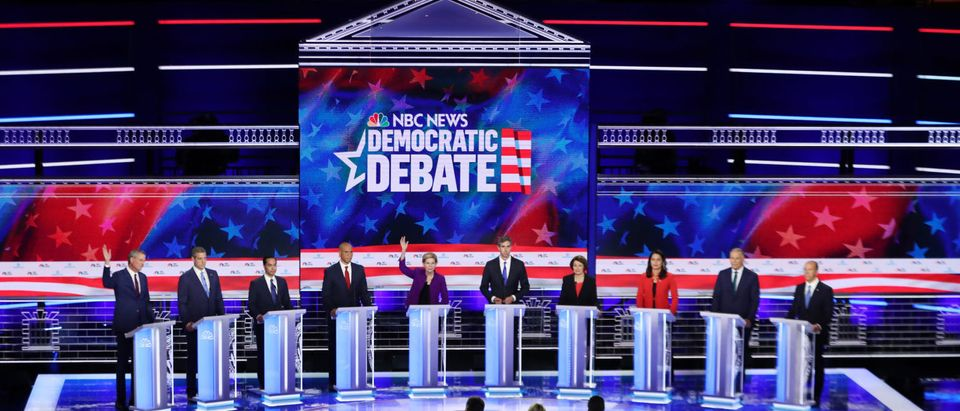 MIAMI, FLORIDA - JUNE 26: Democratic presidential candidates New York City Mayor Bill De Blasio (L-R), Rep. Tim Ryan (D-OH), former housing secretary Julian Castro, Sen. Cory Booker (D-NJ), Sen. Elizabeth Warren (D-MA), former Texas congressman Beto O'Rourke, Sen. Amy Klobuchar (D-MN), Rep. Tulsi Gabbard (D-HI), Washington Gov. Jay Inslee, and former Maryland congressman John Delaney take part in the first night of the Democratic presidential debate on June 26, 2019 in Miami, Florida. (Photo by Joe Raedle/Getty Images)
