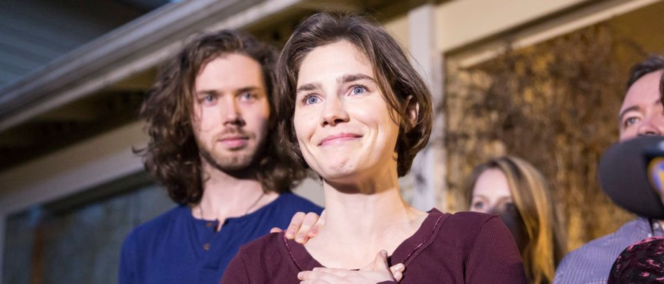 Amanda Knox speaks to the media during a brief press conference in front of her parents' home March 27, 2015 in Seattle, Washington. (Stephen Brashear/Getty Images)