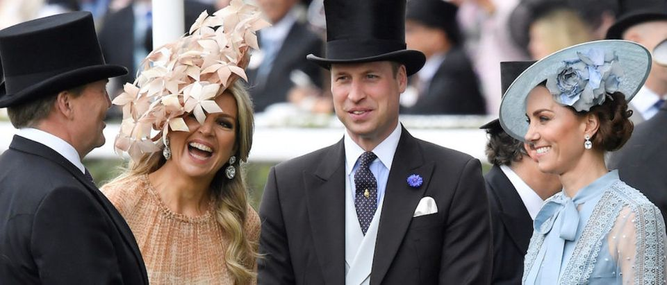 Horse Racing - Royal Ascot - Ascot Racecourse, Ascot, Britain - June 18, 2019 Britain's Catherine, Duchess of Cambridge and Prince William, Duke of Cambridge talk with Queen Maxima of the Netherlands and King Willem-Alexander of the Netherlands at Ascot REUTERS/Toby Melville