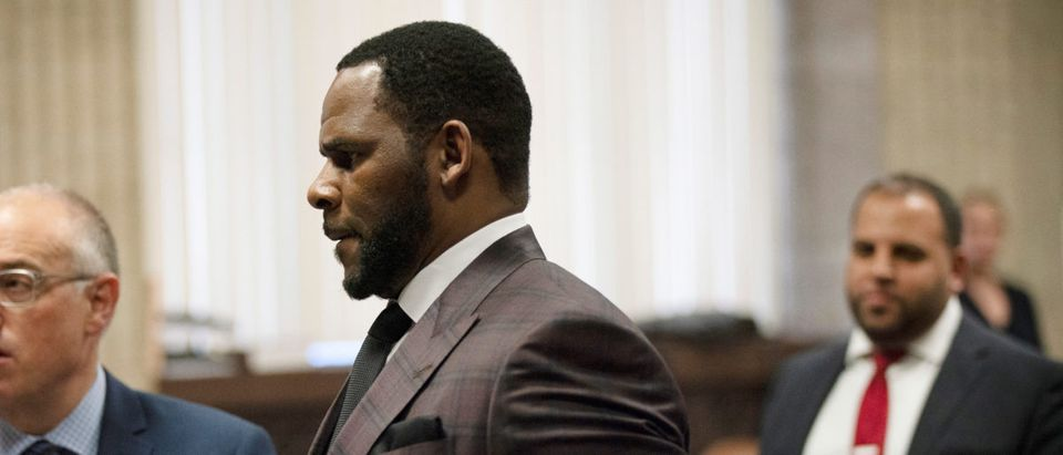 R. Kelly appears for a hearing at Leighton Criminal Court Building in Chicago E. Jason Wambsgans/Chicago Tribune/Pool via REUTERS - RC15FBF62800
