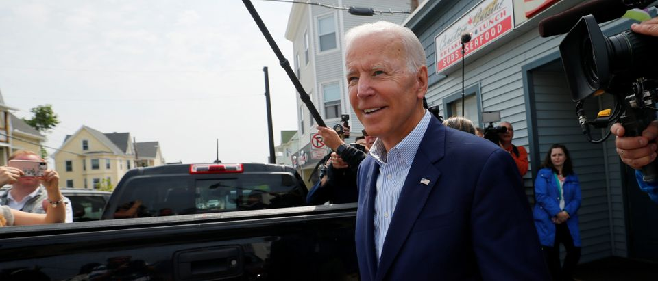 Democratic 2020 U.S. presidential candidate and former Vice President Joe Biden departs after a campaign stop at Chez Vachon restaurant in Manchester, New Hampshire, U.S., June 5, 2019. REUTERS/Brian Snyder