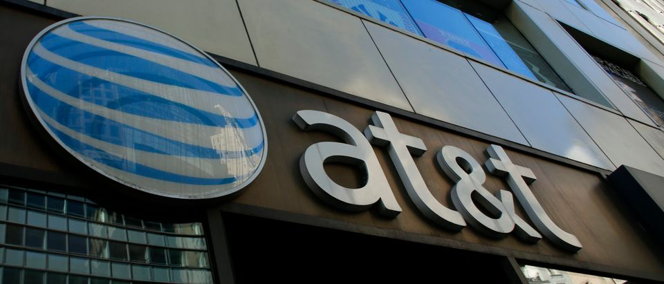 US-MEDIA-TELECOM-MERGER-ATT-TIMEWARNER (KENA BETANCUR/AFP/Getty Images)