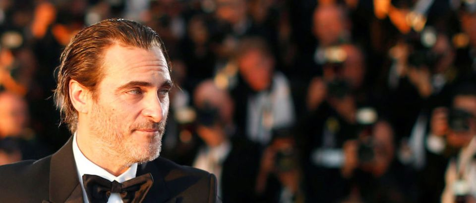 "70th Cannes Film Festival - Photocall after Closing ceremony - Cannes, France. 28/05/2017. Actor Joaquin Phoenix, Best Actor award winner for his role in the film ""You Were Never Really Here"", poses. REUTERS/Regis Duvignau"