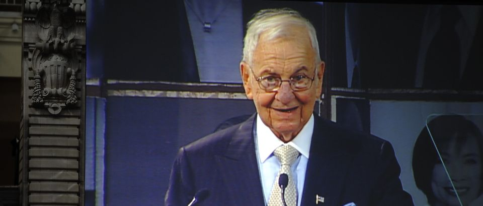 Business icon Lee Iacocca speaks after