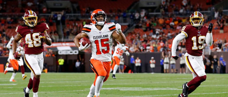 CLEVELAND, OH - AUGUST 8: Damon Sheehy-Guiseppi #15 of the Cleveland Browns outruns BJ Blunt #48 and Robert Davis #19 of the Washington Redskins for an 86-yard touchdown punt return during the fourth quarter at FirstEnergy Stadium on August 8, 2019 in Cleveland, Ohio. Cleveland defeated Washington 30-10. (Photo by Kirk Irwin/Getty Images)