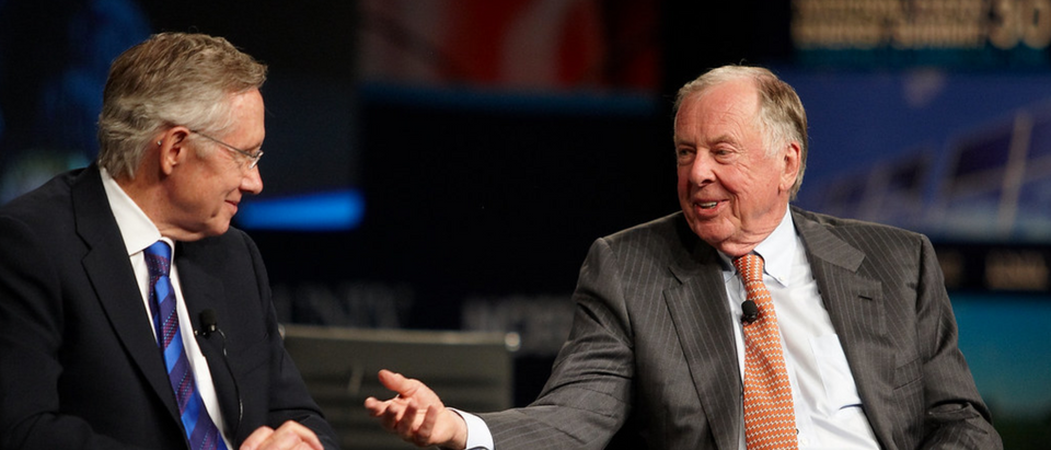 T. Boone Pickens with former Senate Majority Leader Harry Reid