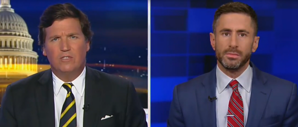 Tucker Carlson and guest discuss Chicago gun violence (Fox News screengrab)