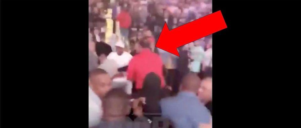 Boxing Fight Video (Credit: Screenshot/Twitter Video https://twitter.com/TMZ_Sports/status/1178738419901419522)