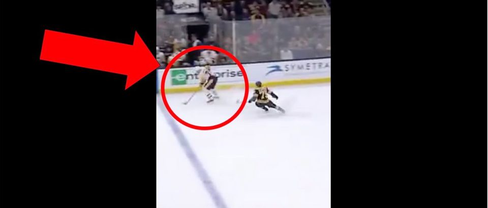 Bryan Rust (Credit: Screenshot/Twitter Video https://twitter.com/HockeyDaily365/status/1191548144833613825)