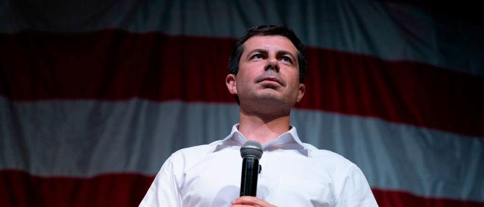 2020 Democratic presidential hopeful Mayor of South Bend, Indiana, Pete Buttigieg speaks at the Wing Ding Dinner on Aug. 9, 2019 in Clear Lake, Iowa. (Photo: ALEX EDELMAN/AFP via Getty Images)